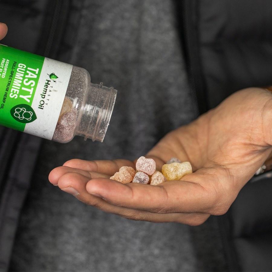 cbd gummies in hand